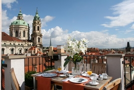 prague yacht golf hotel*****